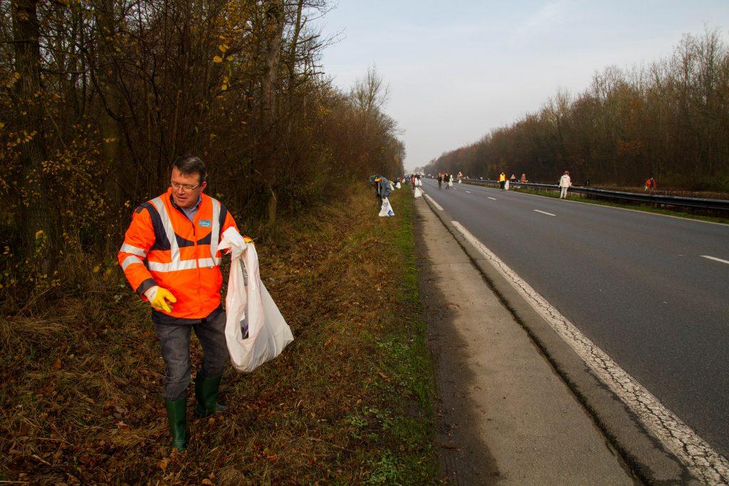 Ramassage des déchets RN6 François Durovray