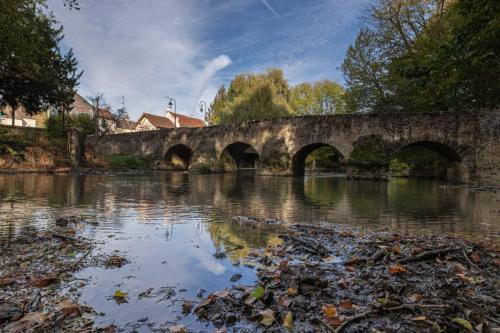 Boussy Saint Antoine - Le vieux pont